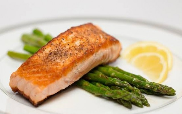 Pan Fried Salmon w/ Lemon Butter Asparagus (By Chef Paolo)