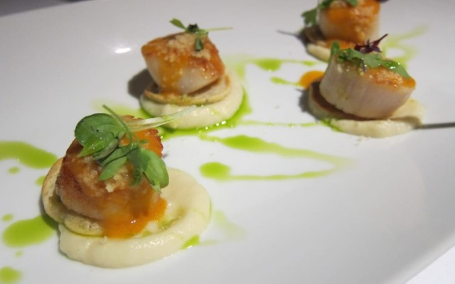 Seared Scallops with Cauliflower Puree (By Chef Paolo)
